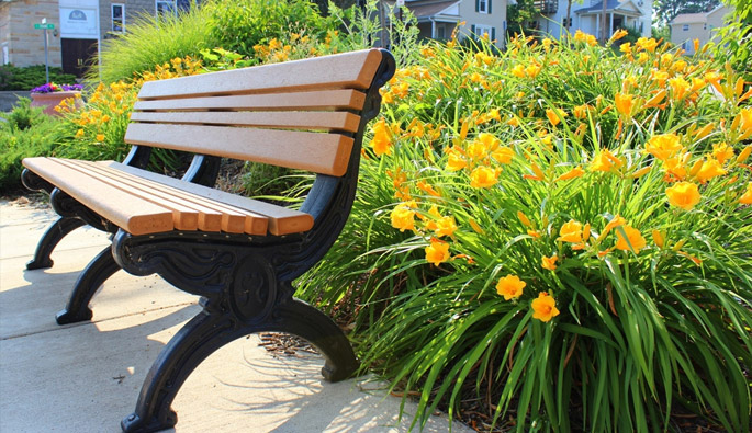 5 Indoor Uses For Recycled Plastic Benches