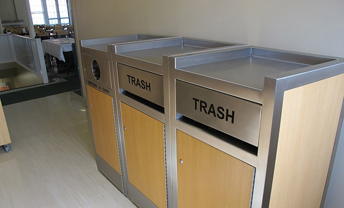 Keep Your Restaurant Clean and Organized with Tray Top Restaurant Trash Cans