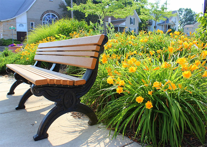 Why Choose 100% Recycled Park Benches